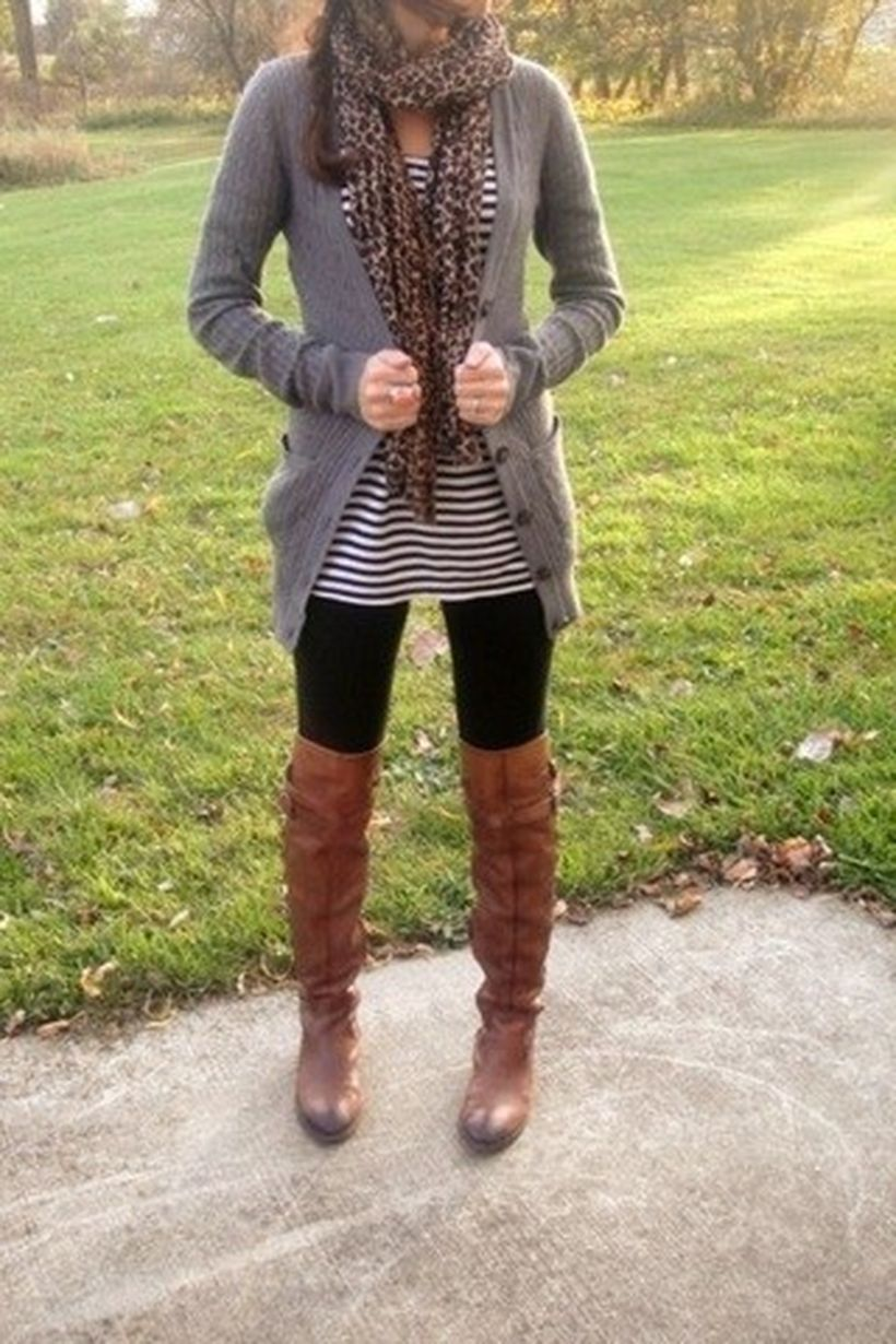 Tips how to wear cardigans and leggings in this fall 43