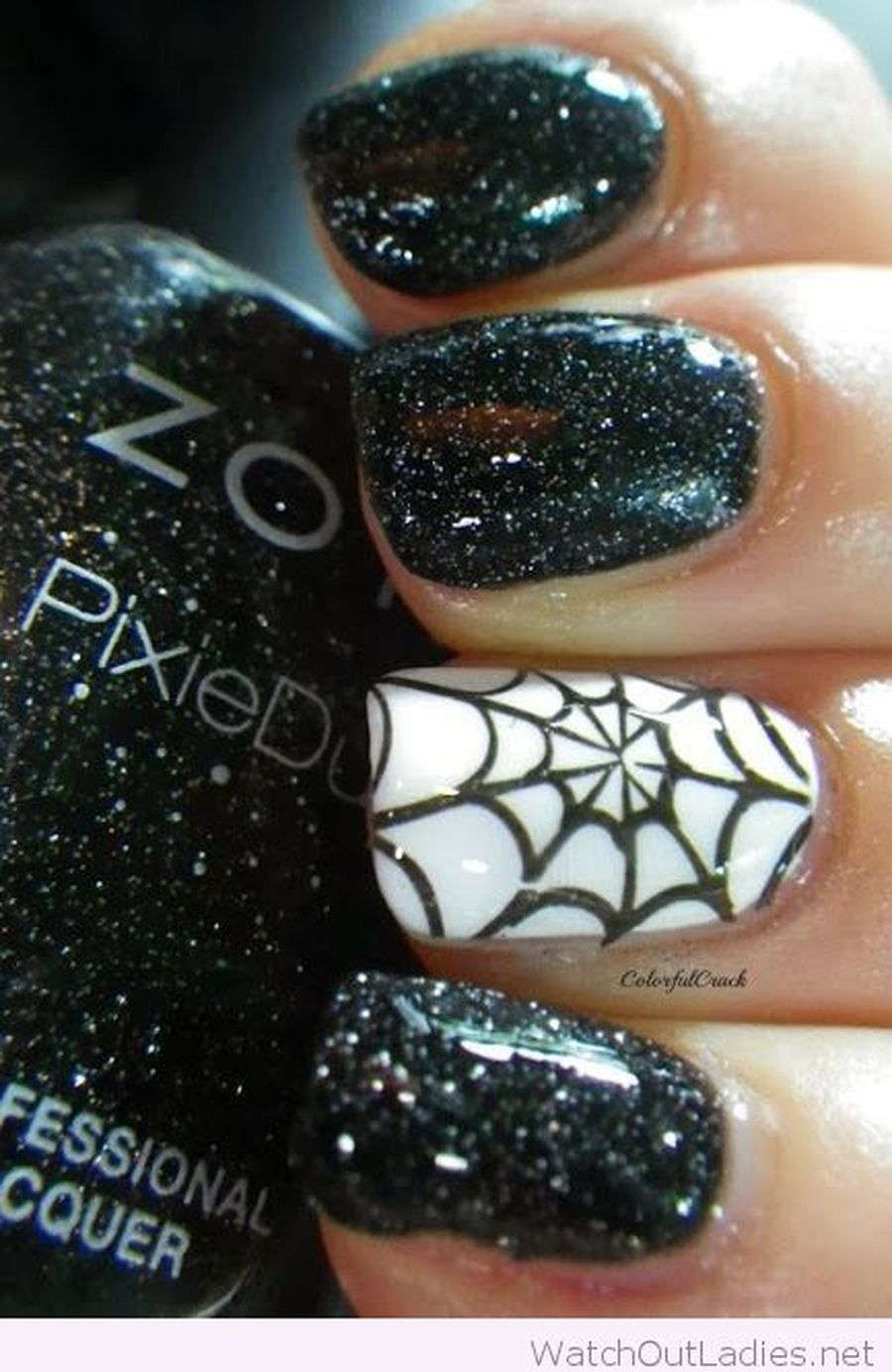 Halloween nails that you must try at halloween party 18