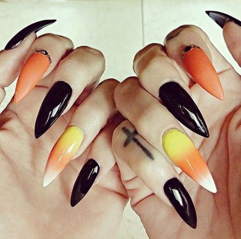 Halloween nails that you must try at halloween party 6