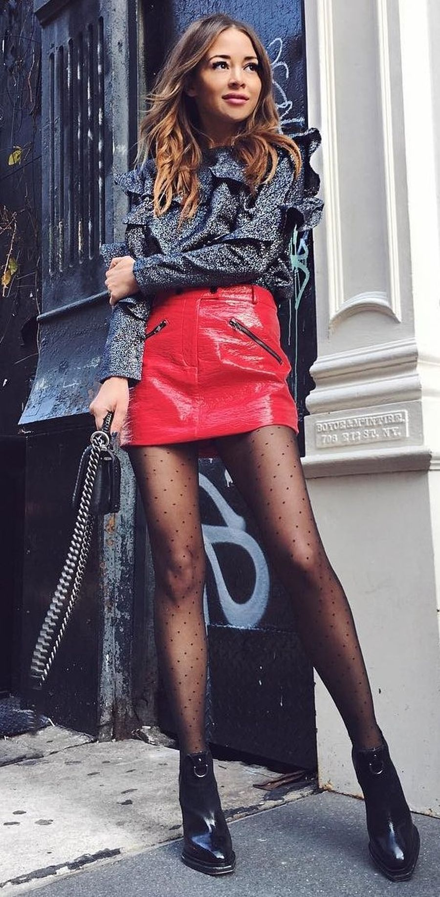 Inspiring skirt and boots combinations for fall and winter outfits 41