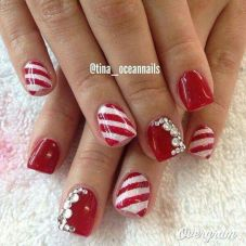 Cool holiday nails arts 3