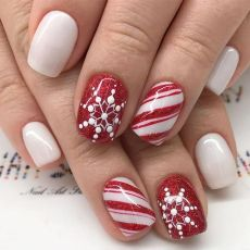 Cool holiday nails arts 42