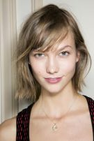 Cool hair style with feathered bangs ideas 7
