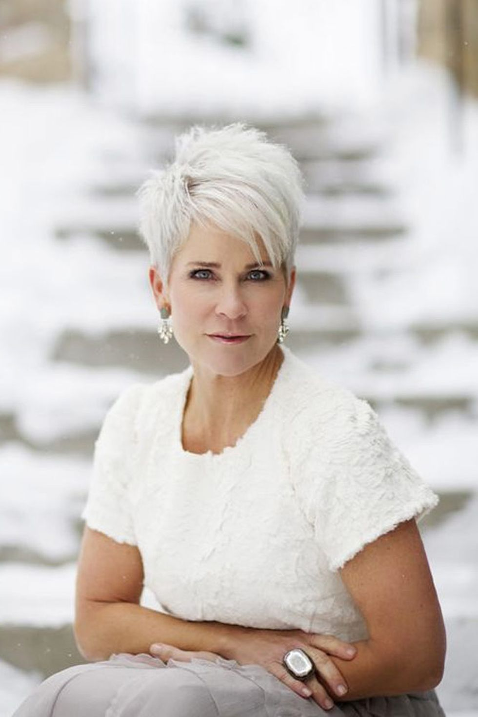 Fabulous over 50 short hairstyle ideas 44