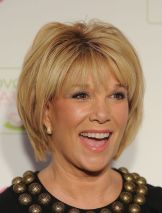 Fabulous over 50 short hairstyle ideas 46