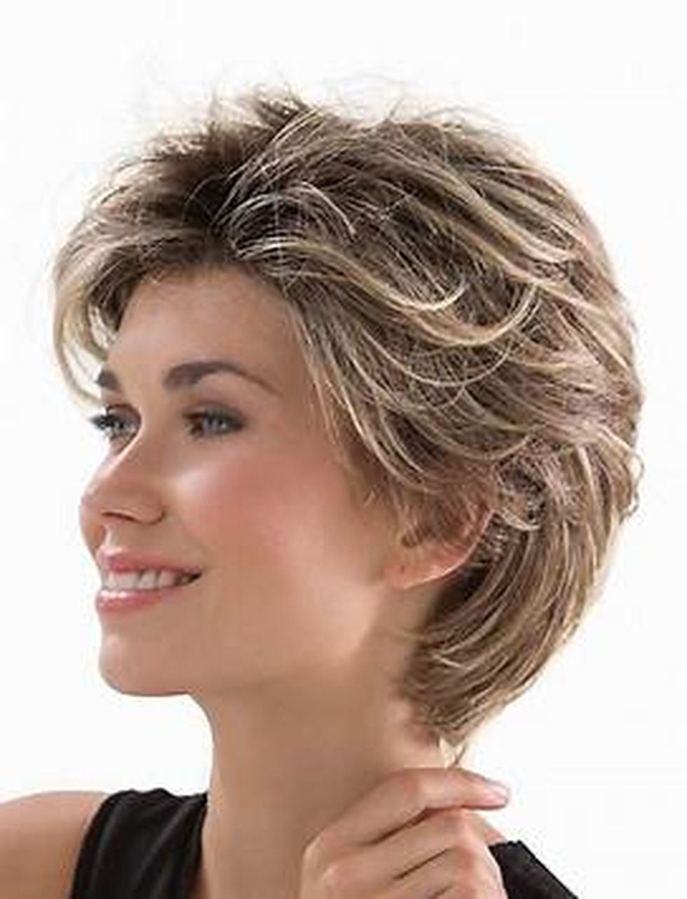 Fabulous over 50 short hairstyle ideas 6