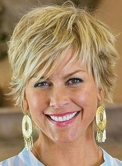 Fabulous over 50 short hairstyle ideas 63