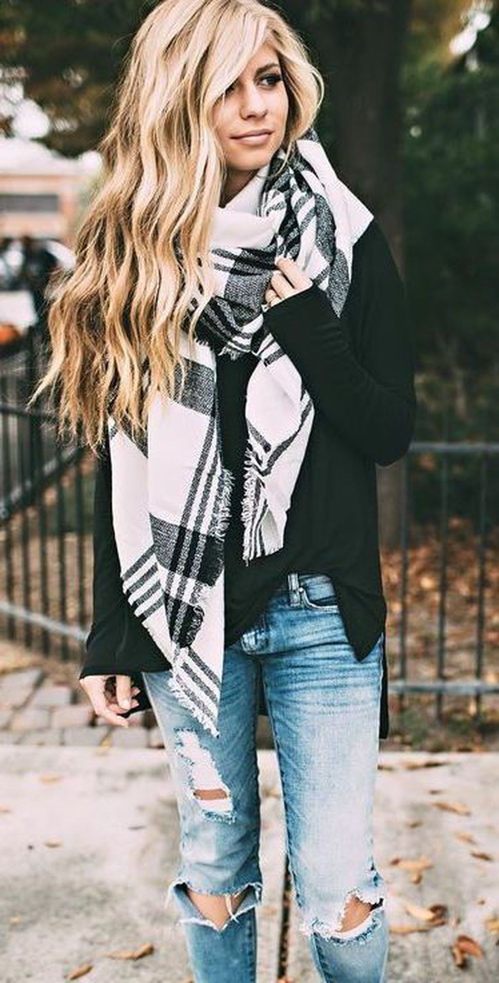 Fashionable scarves for winter outfits 118