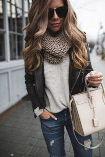 Fashionable scarves for winter outfits 21
