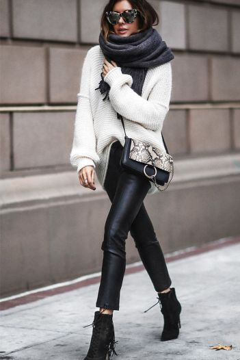 Fashionable scarves for winter outfits 37