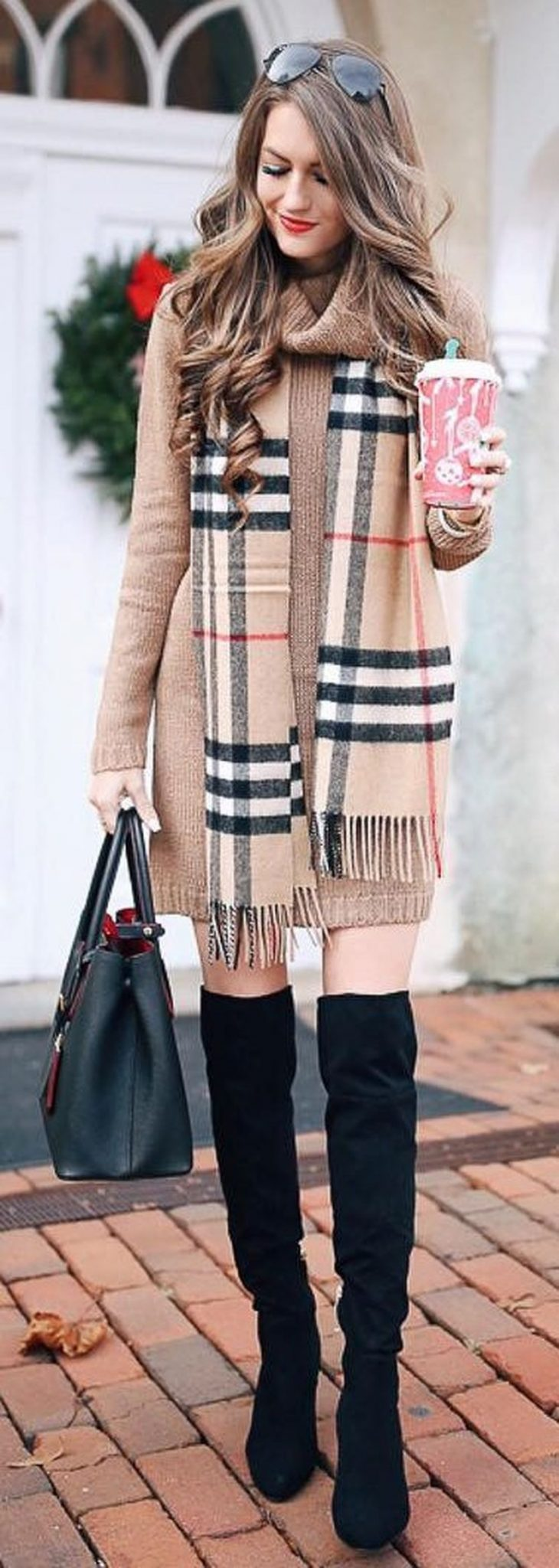 Fashionable scarves for winter outfits 63