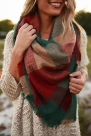 Fashionable scarves for winter outfits 84