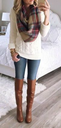 Fashionable scarves for winter outfits 85