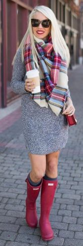 Fashionable scarves for winter outfits 97