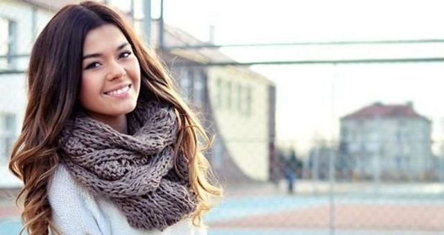 Fashionable scarves for winter outfits