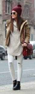 Fashionable women hats for winter and snow outfits 2