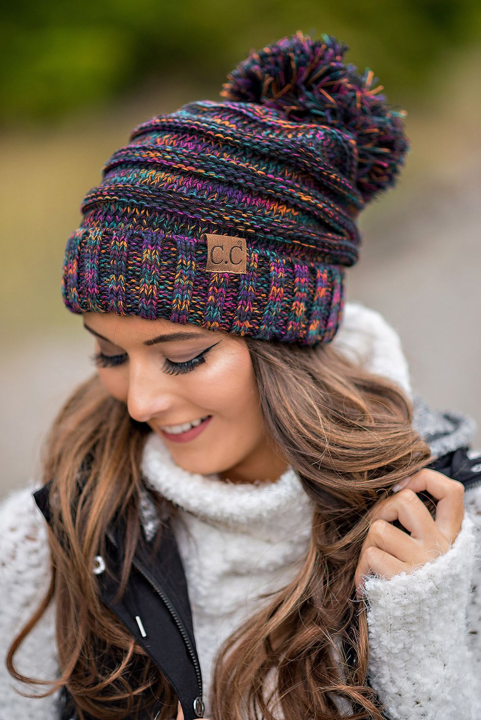 Fashionable women hats for winter and snow outfits 23
