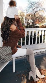 Fashionable women hats for winter and snow outfits 25