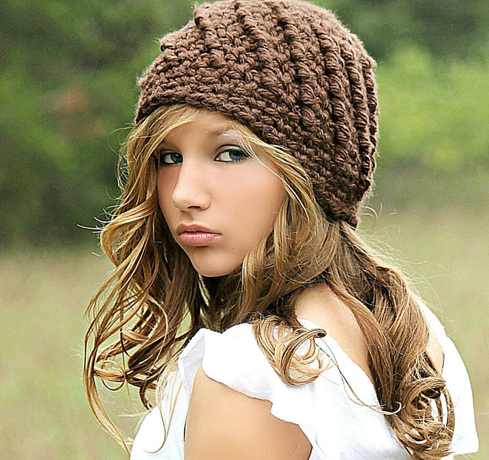 Fashionable women hats for winter and snow outfits 53