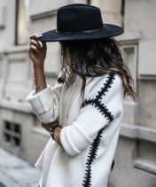 Fashionable women hats for winter and snow outfits 64