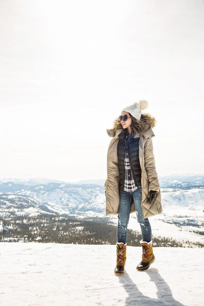 Fashionable women snow outfits for this winter 17
