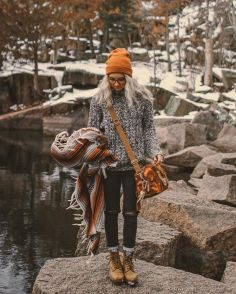 Fashionable women snow outfits for this winter 24