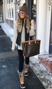 Fashionable women snow outfits for this winter 33