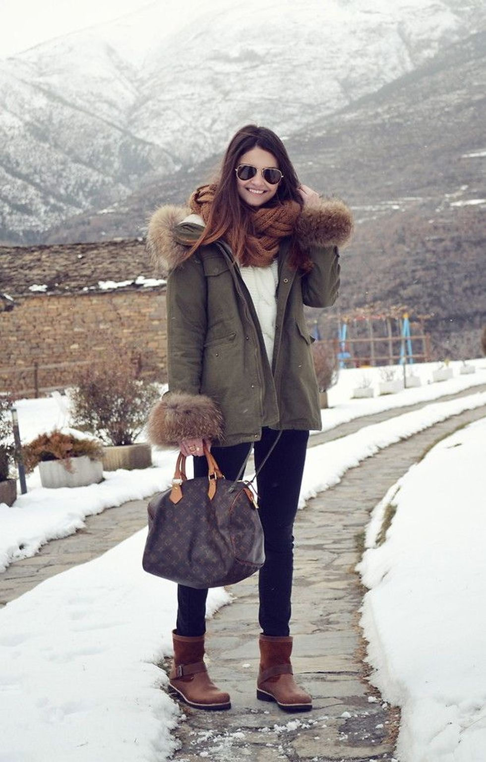 Fashionable women snow outfits for this winter 4