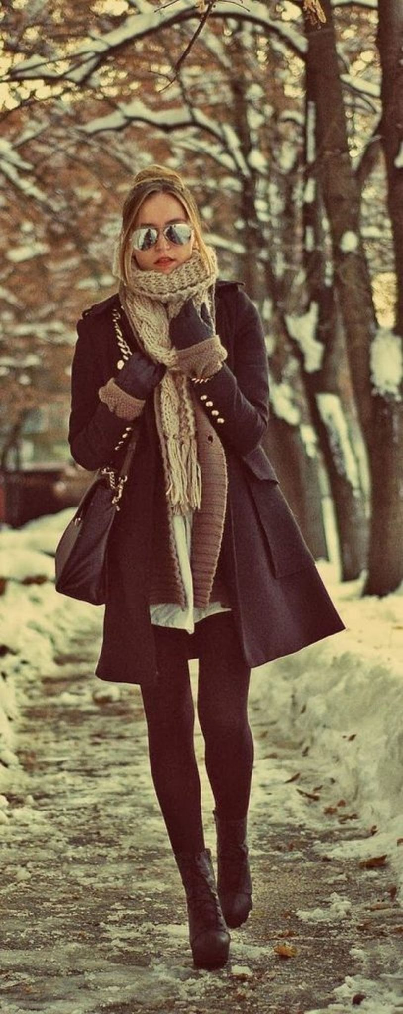 Fashionable women snow outfits for this winter 47