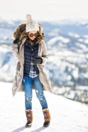Fashionable women snow outfits for this winter 55