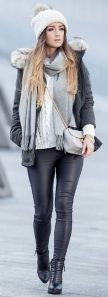 Fashionable women snow outfits for this winter 56