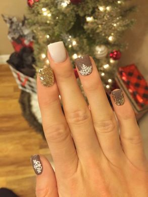 Gorgeous christmas nails ideas 121