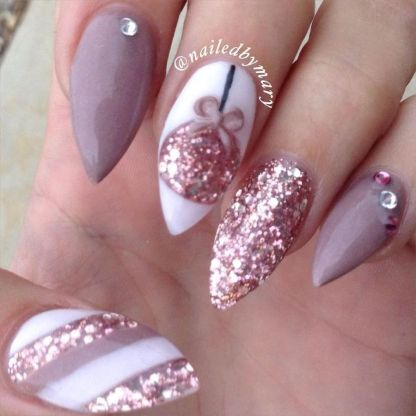 Gorgeous christmas nails ideas 122