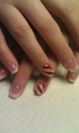 Gorgeous christmas nails ideas 2