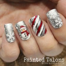 Gorgeous christmas nails ideas 26