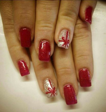 Gorgeous christmas nails ideas 27