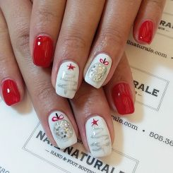 Gorgeous christmas nails ideas 29