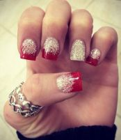 Gorgeous christmas nails ideas 30