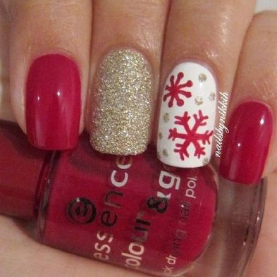 Gorgeous christmas nails ideas 34