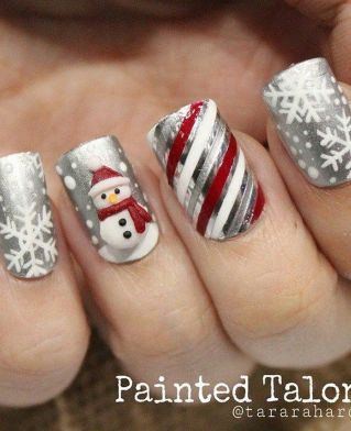Gorgeous christmas nails ideas 35