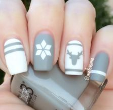 Gorgeous christmas nails ideas 4