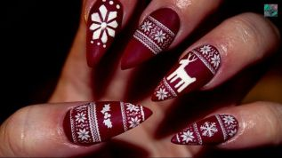 Gorgeous christmas nails ideas 41