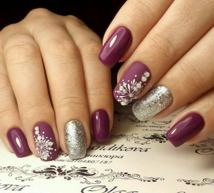 Gorgeous christmas nails ideas 56