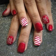 Gorgeous christmas nails ideas 66