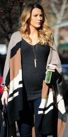Maternity fashions outfits for fall and winter 38