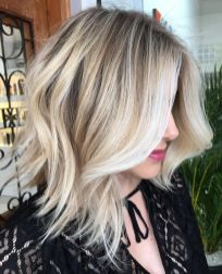 Stylish blonde lobs haircut ideas 46