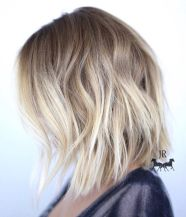 Stylish blonde lobs haircut ideas 9