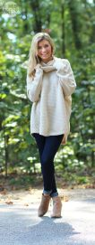 Fashionable oversized sweater for winter outfit 29