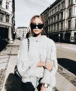 Fashionable oversized sweater for winter outfit 45