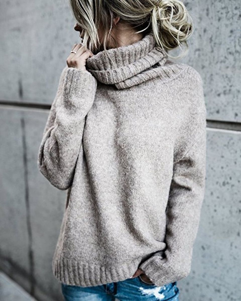 Fashionable oversized sweater for winter outfit 47